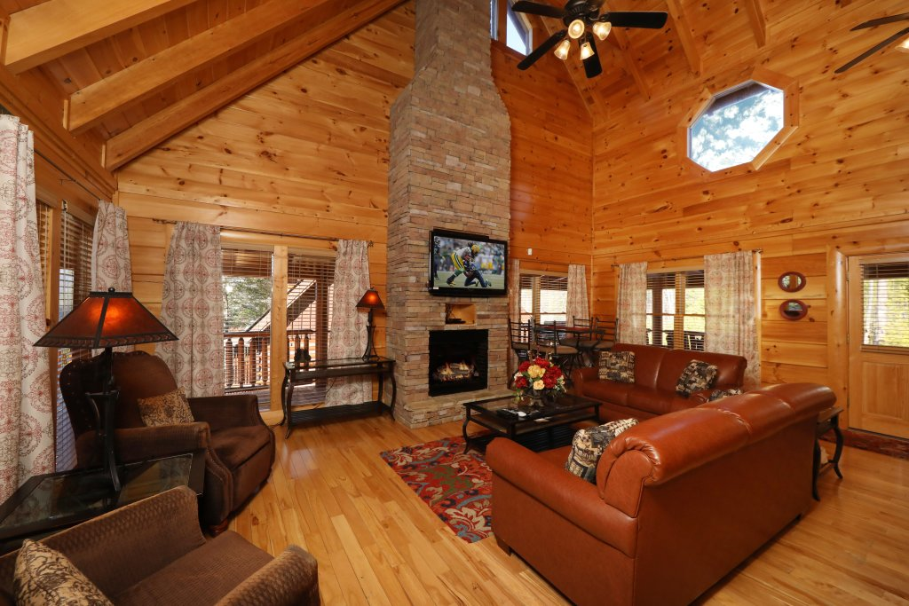 Photo of a Sevierville Cabin named Mountain Blessings - This is the fifth photo in the set.