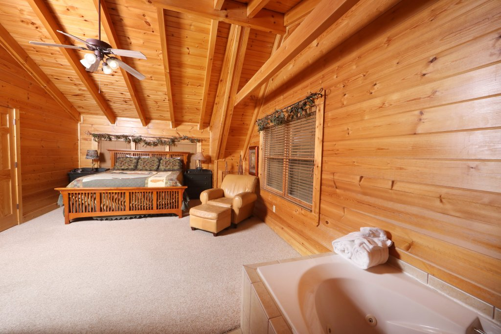 Photo of a Sevierville Cabin named Mountain Sunrise - This is the eighth photo in the set.