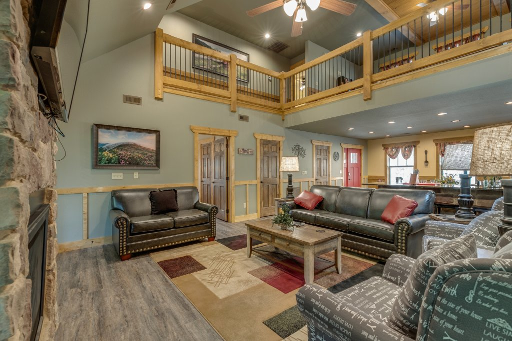 Photo of a Gatlinburg Chalet named Marco Polo - This is the second photo in the set.