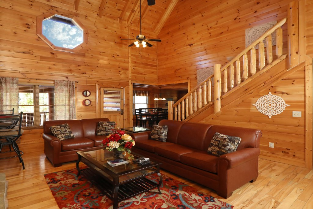 Photo of a Sevierville Cabin named Mountain Blessings - This is the third photo in the set.