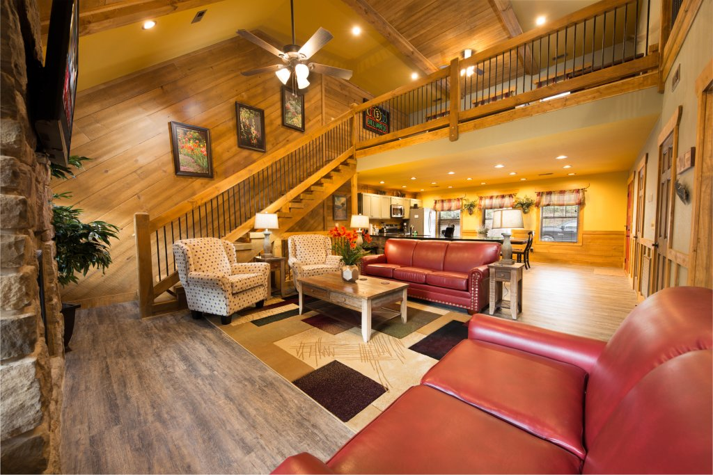 Photo of a Gatlinburg Chalet named Back Stroke - This is the third photo in the set.