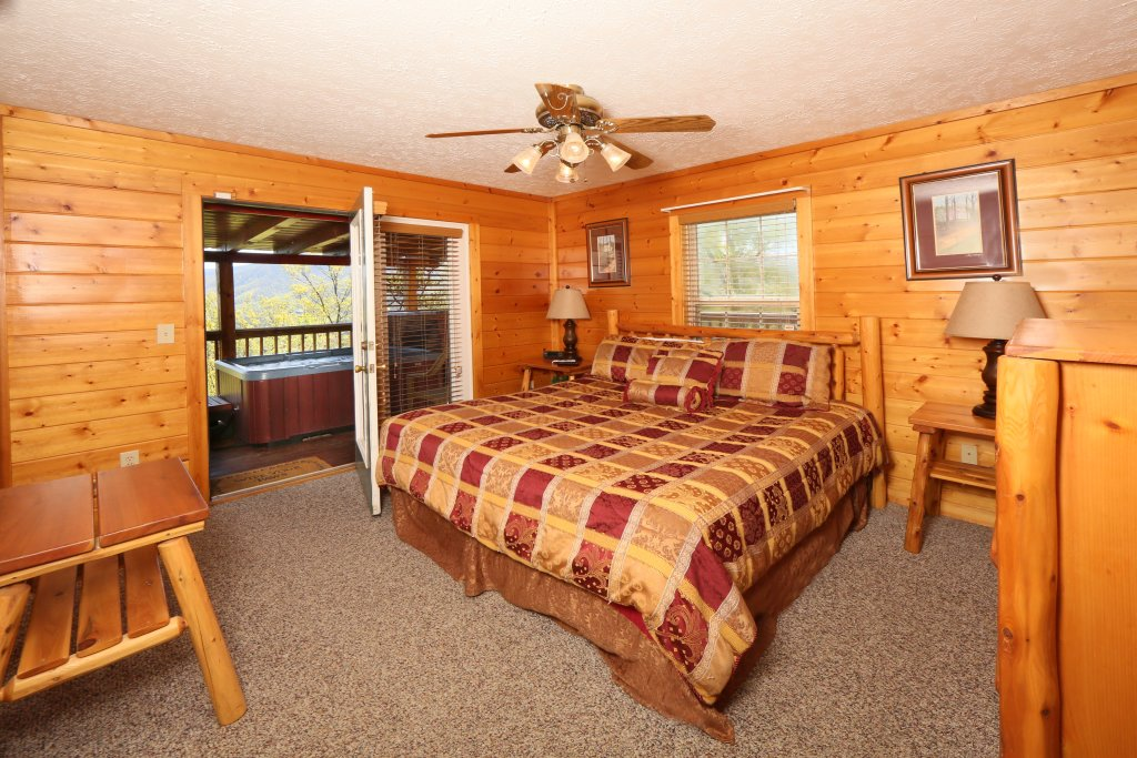 Photo of a Sevierville Cabin named Majestic Views - This is the ninth photo in the set.