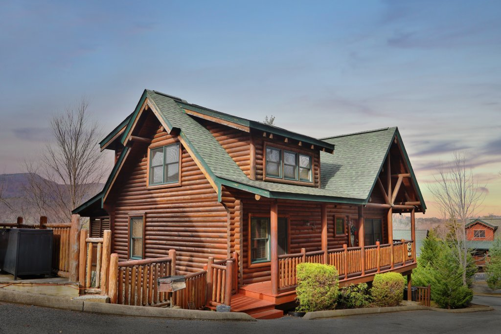 Photo of a Sevierville Cabin named Mountain Sunrise - This is the first photo in the set.