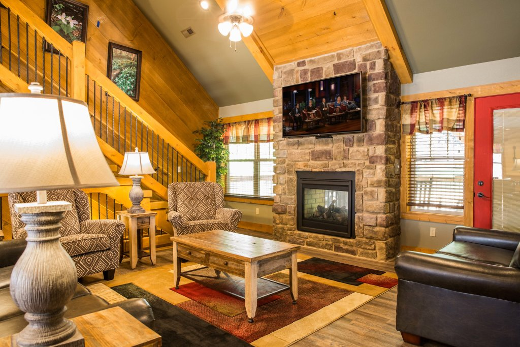 Photo of a Gatlinburg Chalet named A Hilltop Hideaway - This is the fourth photo in the set.