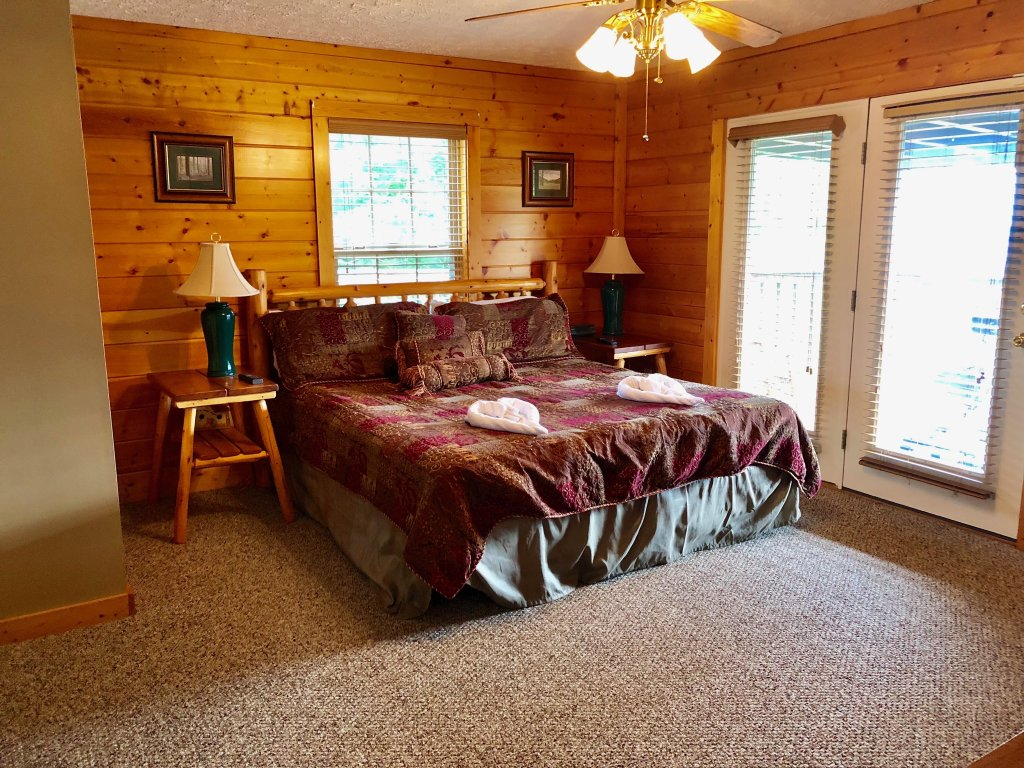 Photo of a Sevierville Cabin named Majestic Views - This is the eleventh photo in the set.