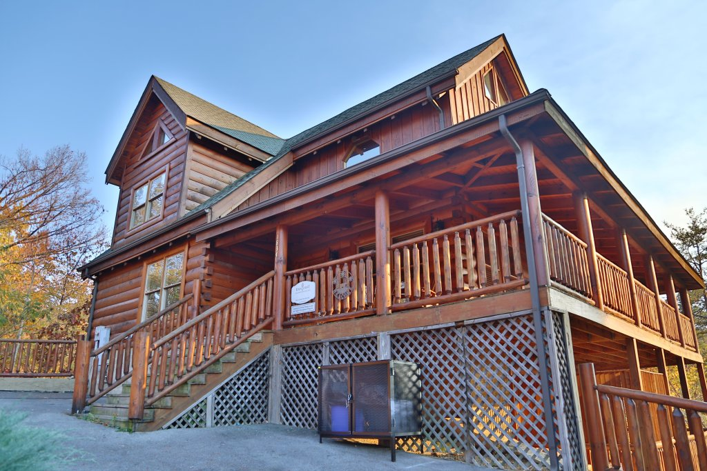 Photo of a Sevierville Cabin named Mountain Blessings - This is the first photo in the set.