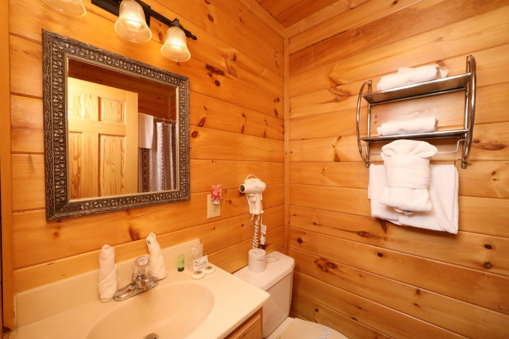 Photo of a Sevierville Cabin named Blessed Nest - This is the nineteenth photo in the set.
