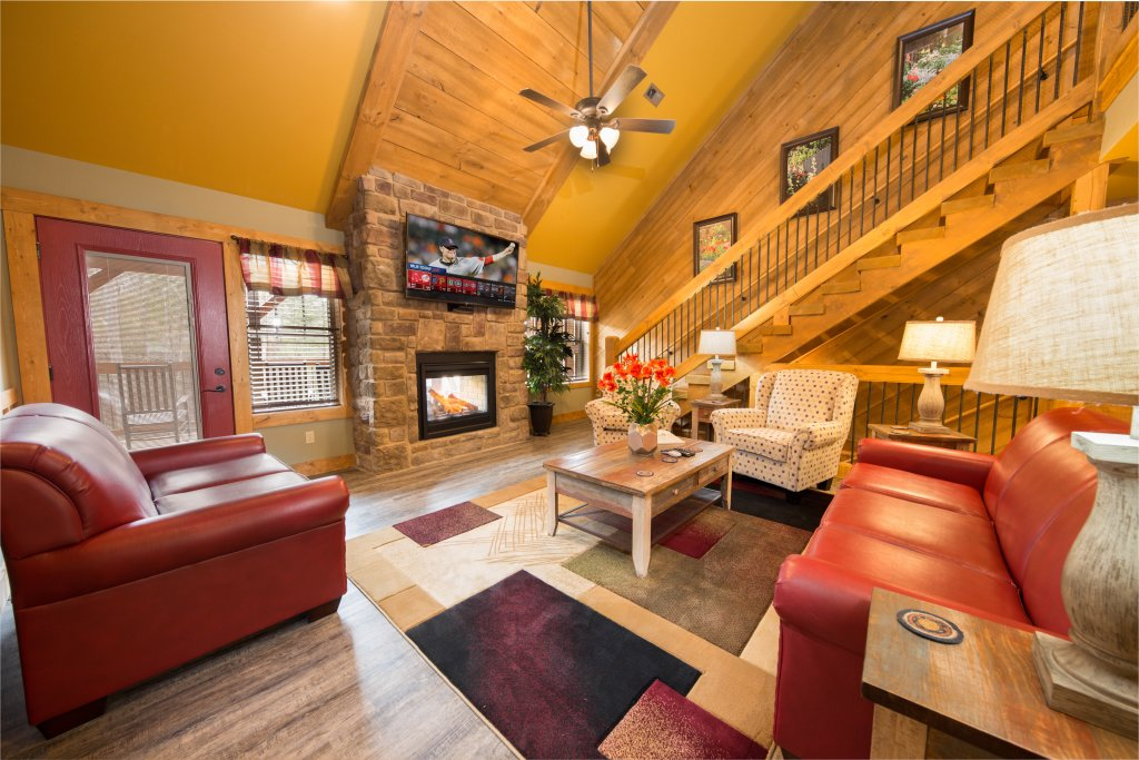 Photo of a Gatlinburg Chalet named Back Stroke - This is the second photo in the set.
