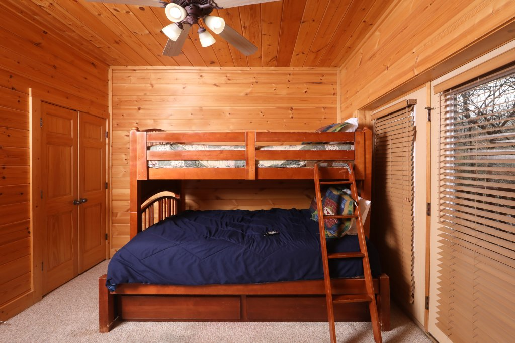 Photo of a Sevierville Cabin named Mountain Sunrise - This is the sixteenth photo in the set.