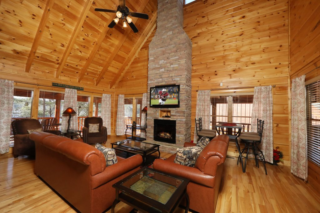 Photo of a Sevierville Cabin named Mountain Blessings - This is the sixth photo in the set.