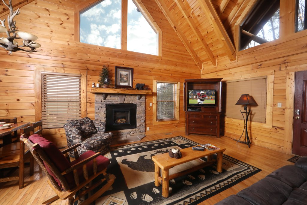 Photo of a Sevierville Cabin named Mountain Sunrise - This is the third photo in the set.