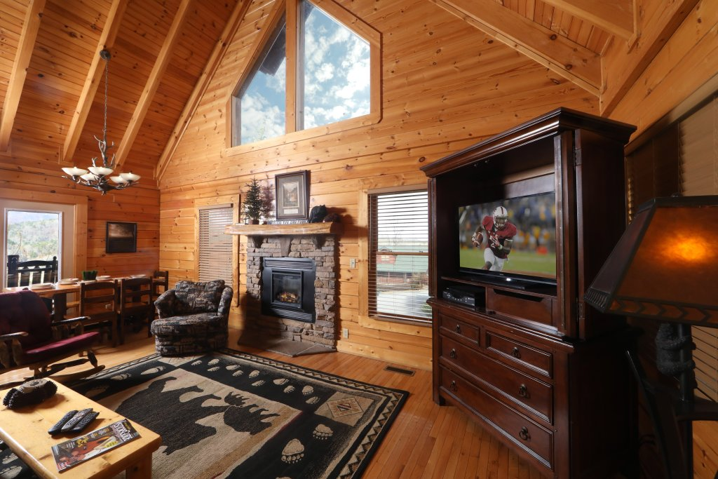 Photo of a Sevierville Cabin named Mountain Sunrise - This is the fourth photo in the set.