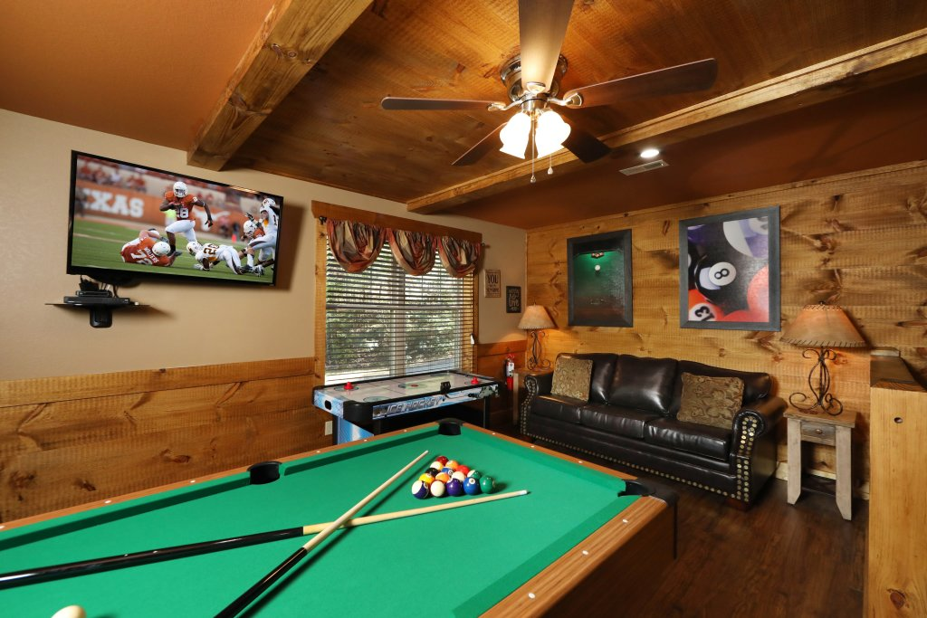 Photo of a Gatlinburg Chalet named Misty Mountainside - This is the twenty-second photo in the set.