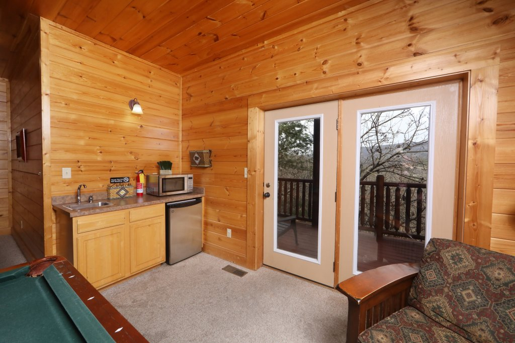 Photo of a Sevierville Cabin named Mountain Sunrise - This is the twenty-fourth photo in the set.