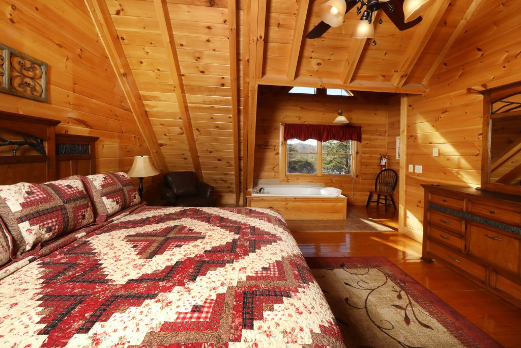 Photo of a Sevierville Cabin named Mountain Blessings - This is the tenth photo in the set.