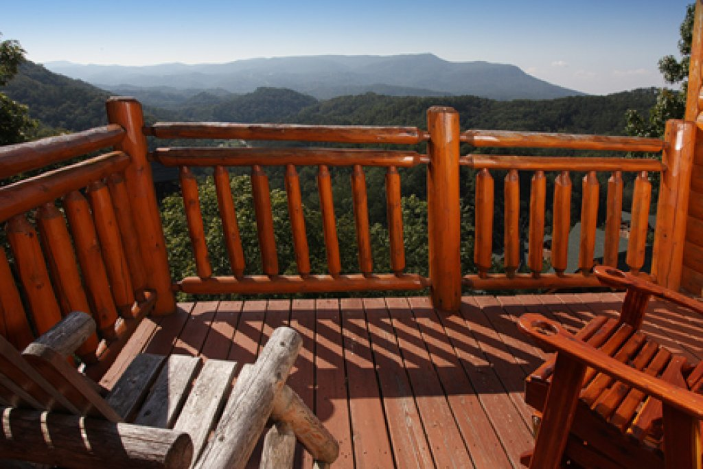 Photo of a Sevierville Cabin named Paradise Mountain Pool Lodge - This is the twenty-eighth photo in the set.