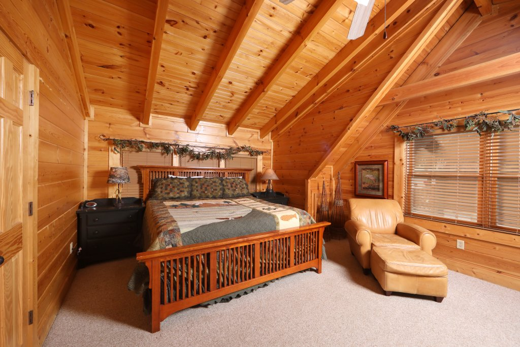 Photo of a Sevierville Cabin named Mountain Sunrise - This is the seventh photo in the set.