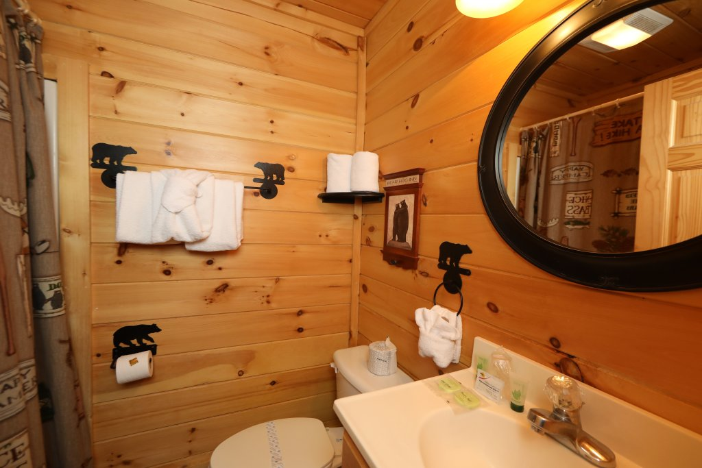 Photo of a Sevierville Cabin named Mountain Blessings - This is the sixteenth photo in the set.