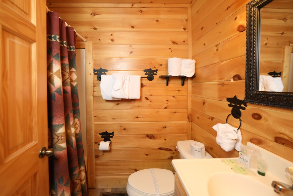 Photo of a Sevierville Cabin named Mountain Blessings - This is the twentieth photo in the set.