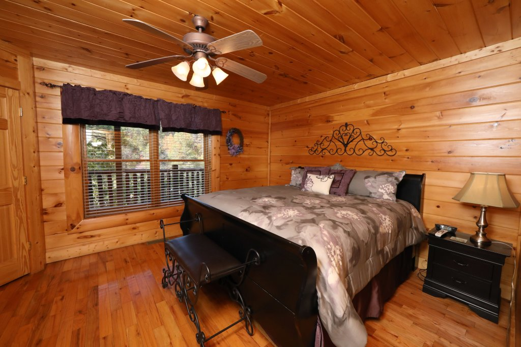 Photo of a Sevierville Cabin named Blessed Nest - This is the seventeenth photo in the set.