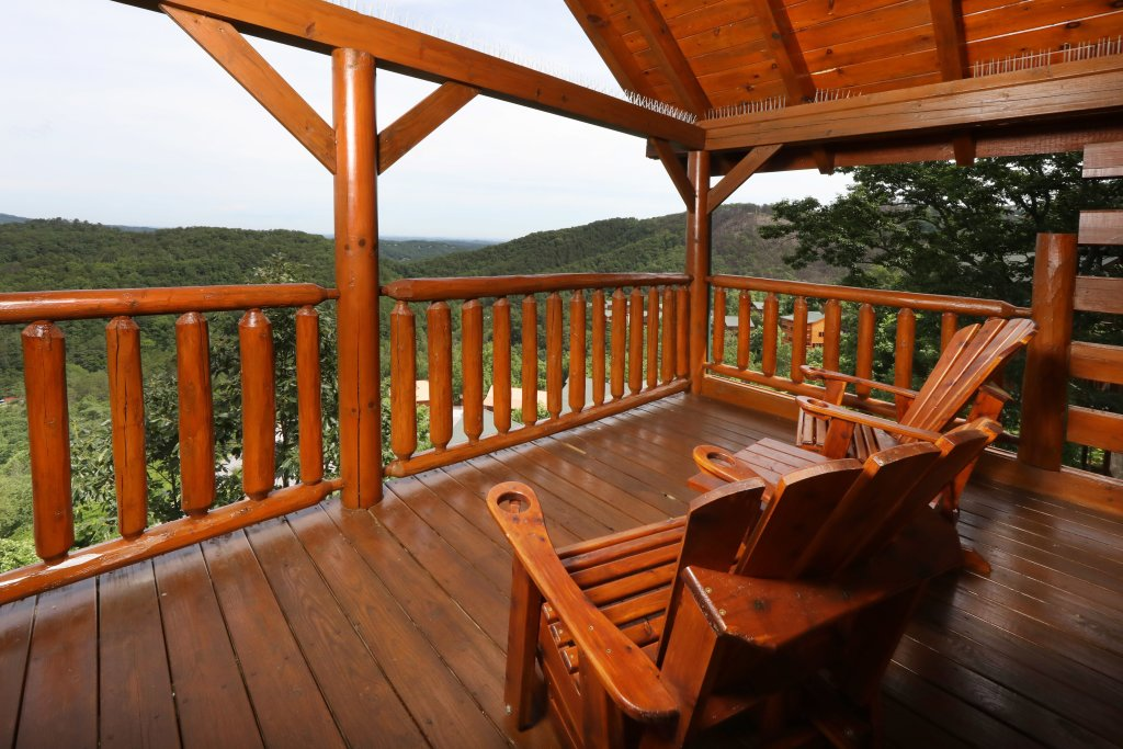 Photo of a Sevierville Cabin named Majestic Mountain Lodge - This is the thirty-ninth photo in the set.