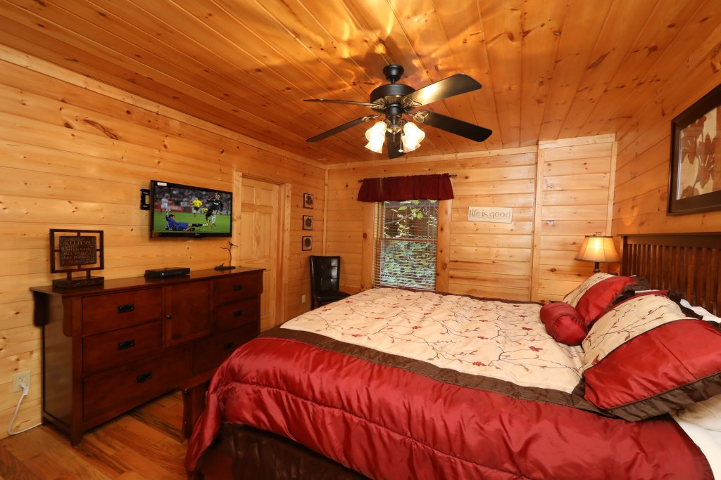 Photo of a Sevierville Cabin named Blessed Nest - This is the fourteenth photo in the set.