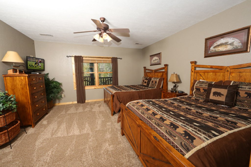 Photo of a Sevierville Cabin named Black Bear Hideaway - This is the fourteenth photo in the set.