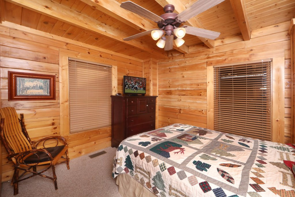 Photo of a Sevierville Cabin named Mountain Sunrise - This is the eleventh photo in the set.