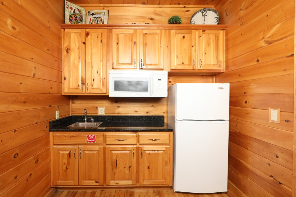 Photo of a Sevierville Cabin named Majestic Mountain Lodge - This is the twenty-ninth photo in the set.