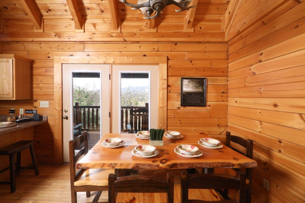 Photo of a Sevierville Cabin named Mountain Sunrise - This is the twenty-seventh photo in the set.