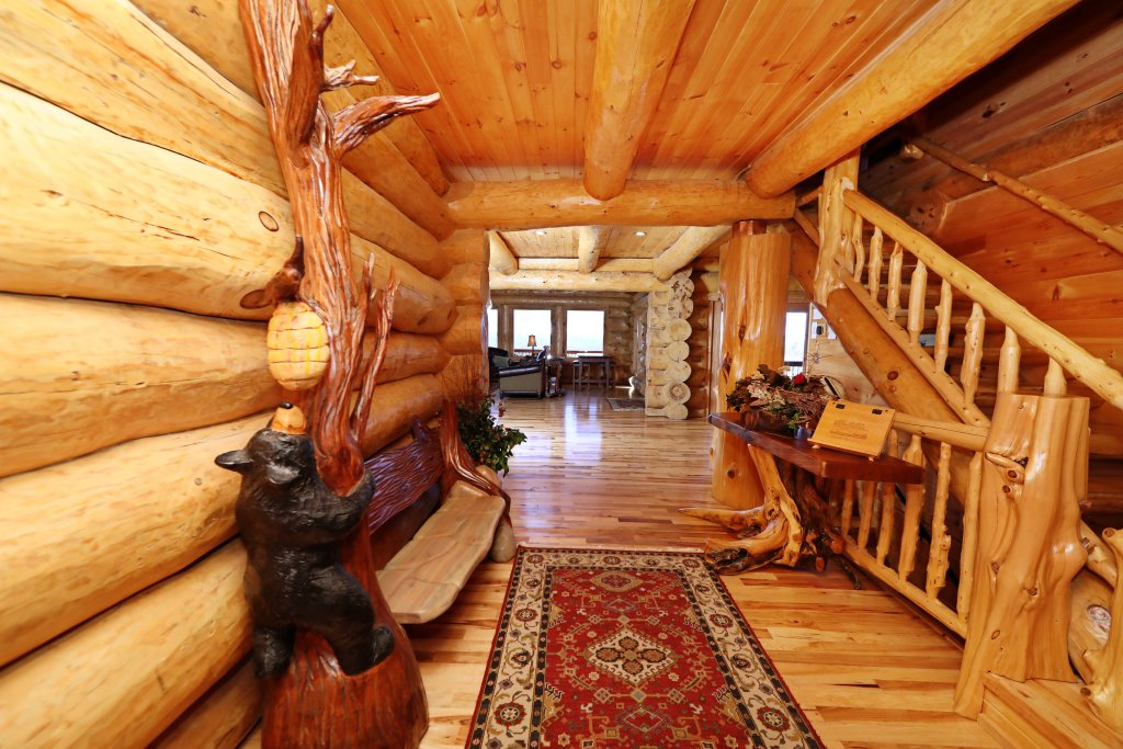 Photo of a Gatlinburg Cabin named The Lodge Of Gatlinburg - This is the second photo in the set.