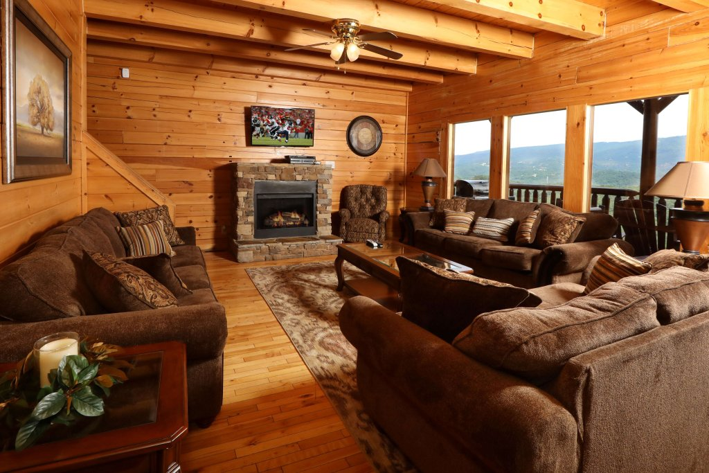 Photo of a Sevierville Cabin named Majestic Mountain Lodge - This is the third photo in the set.