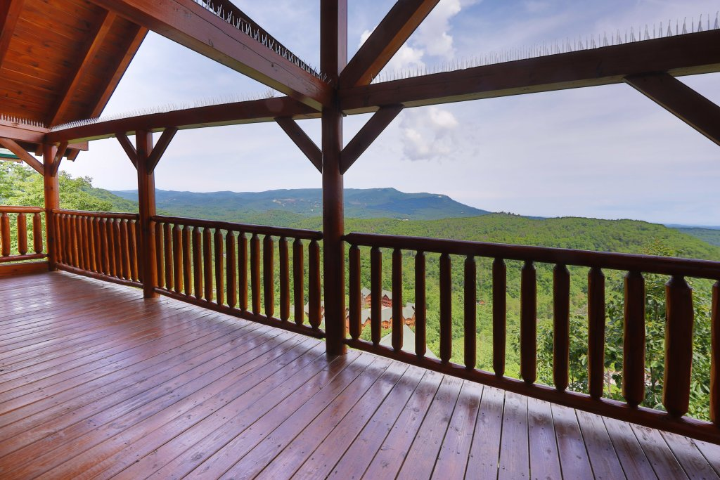 Photo of a Sevierville Cabin named Majestic Mountain Lodge - This is the forty-third photo in the set.