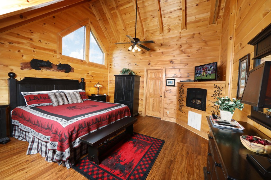 Photo of a Sevierville Cabin named Celebration Lodge - This is the ninth photo in the set.