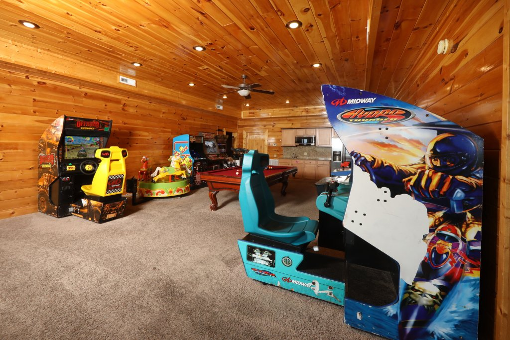 Photo of a Sevierville Cabin named Serenity Mountain Pool Lodge - This is the twenty-eighth photo in the set.