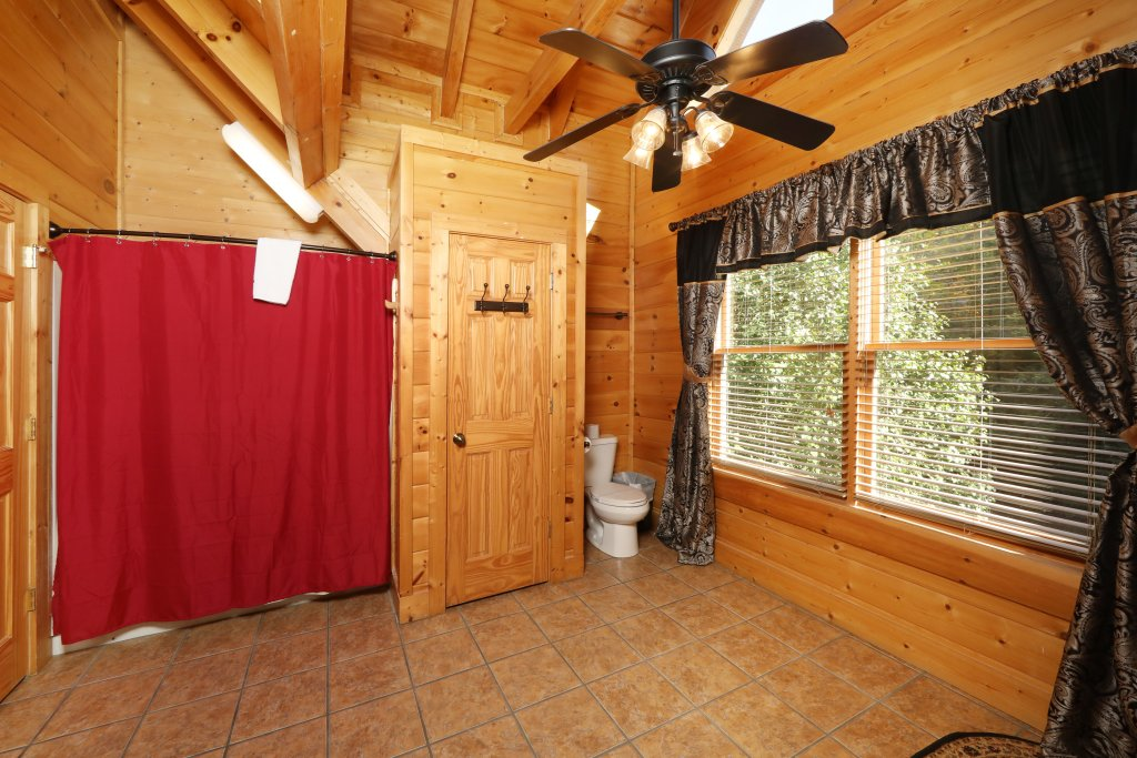 Photo of a Sevierville Cabin named Blessed Nest - This is the sixteenth photo in the set.