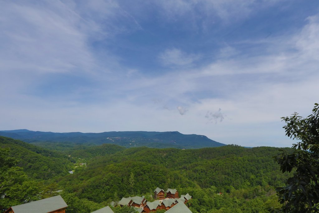 Photo of a Sevierville Cabin named Majestic Mountain Lodge - This is the thirty-third photo in the set.