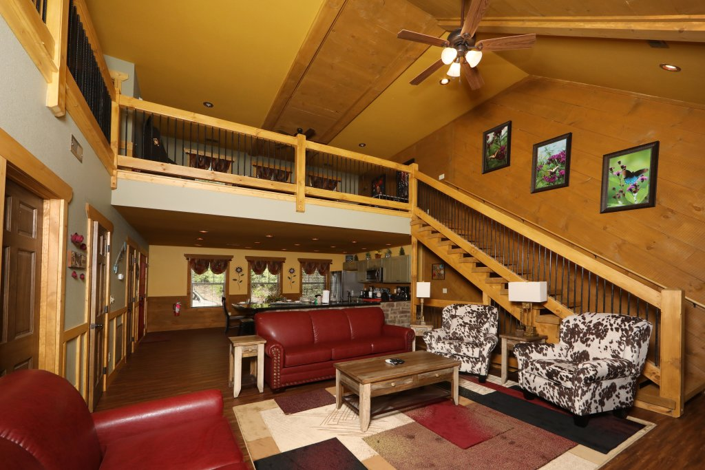 Photo of a Gatlinburg Chalet named Dive Right In - This is the third photo in the set.