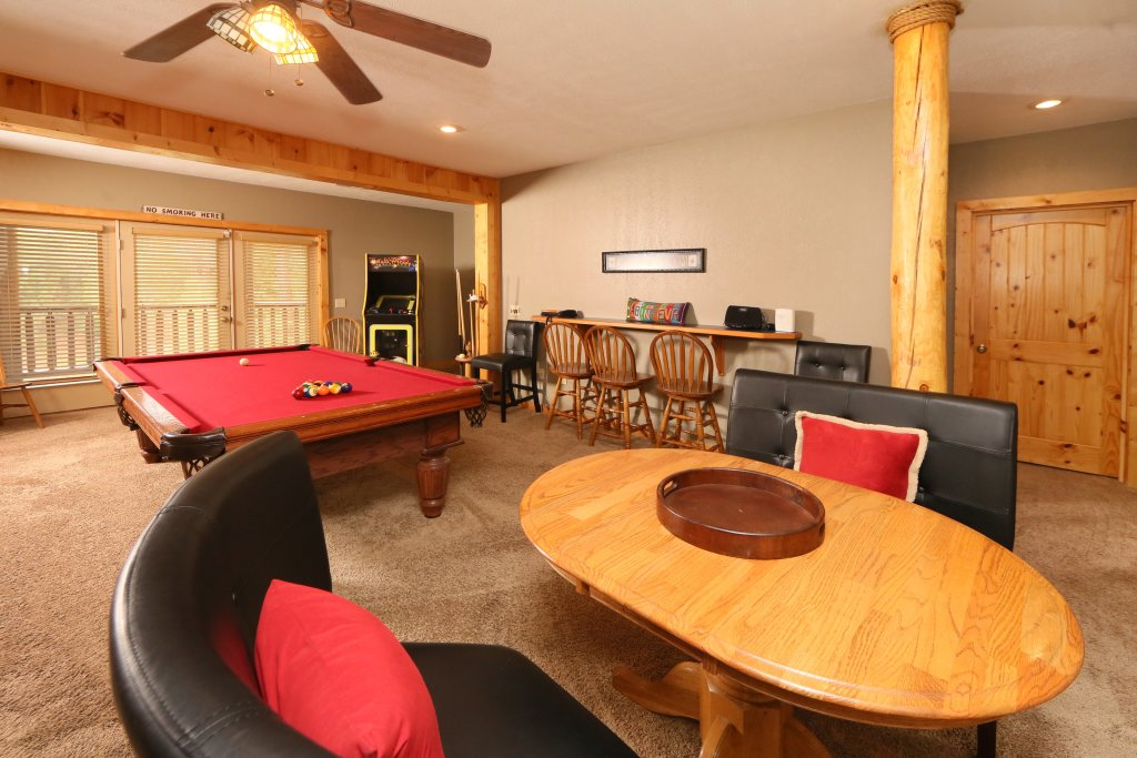Photo of a Sevierville Cabin named Black Bear Hideaway - This is the eighteenth photo in the set.