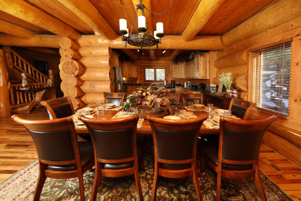 Photo of a Gatlinburg Cabin named The Lodge Of Gatlinburg - This is the forty-second photo in the set.