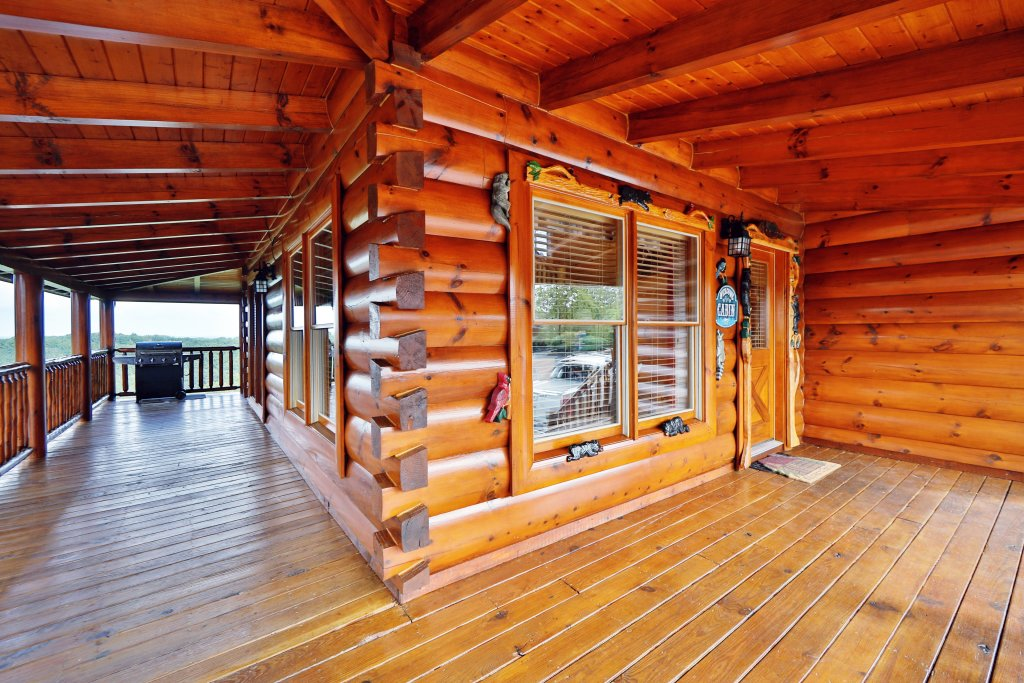 Photo of a Sevierville Cabin named Celebration Lodge - This is the first photo in the set.