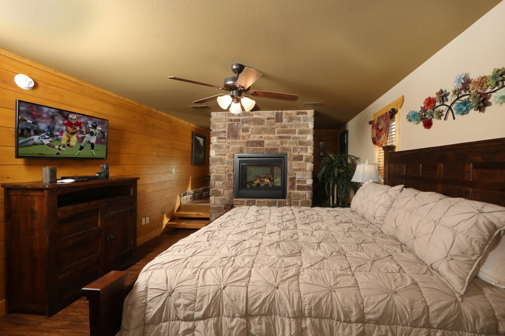 Photo of a Gatlinburg Chalet named Blue Lagoon Cinema - This is the sixth photo in the set.