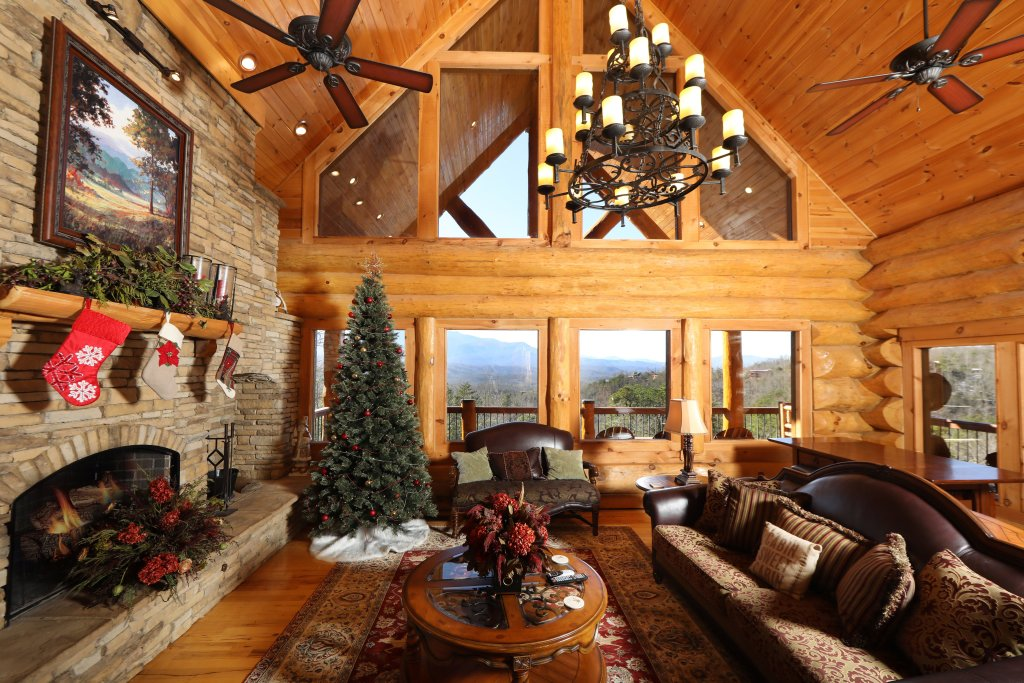 Photo of a Gatlinburg Cabin named The Lodge Of Gatlinburg - This is the third photo in the set.