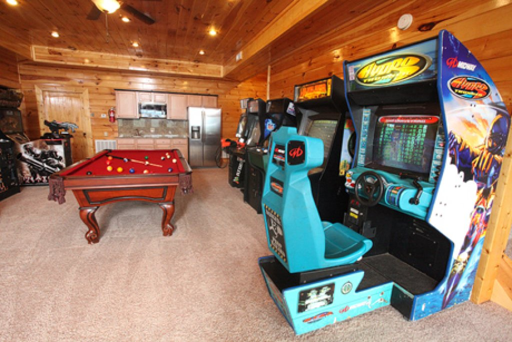Photo of a Sevierville Cabin named Serenity Mountain Pool Lodge - This is the twenty-ninth photo in the set.