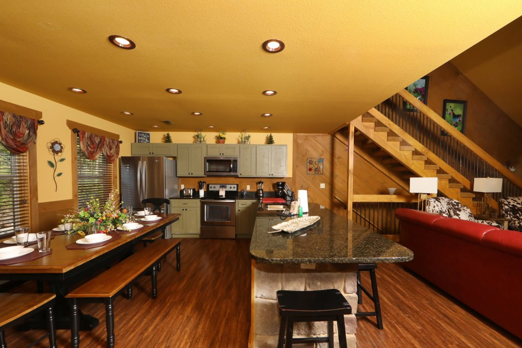 Photo of a Gatlinburg Chalet named Dive Right In - This is the thirty-first photo in the set.