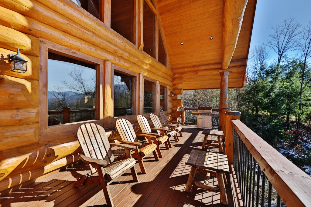 Photo of a Gatlinburg Cabin named The Lodge Of Gatlinburg - This is the forty-ninth photo in the set.