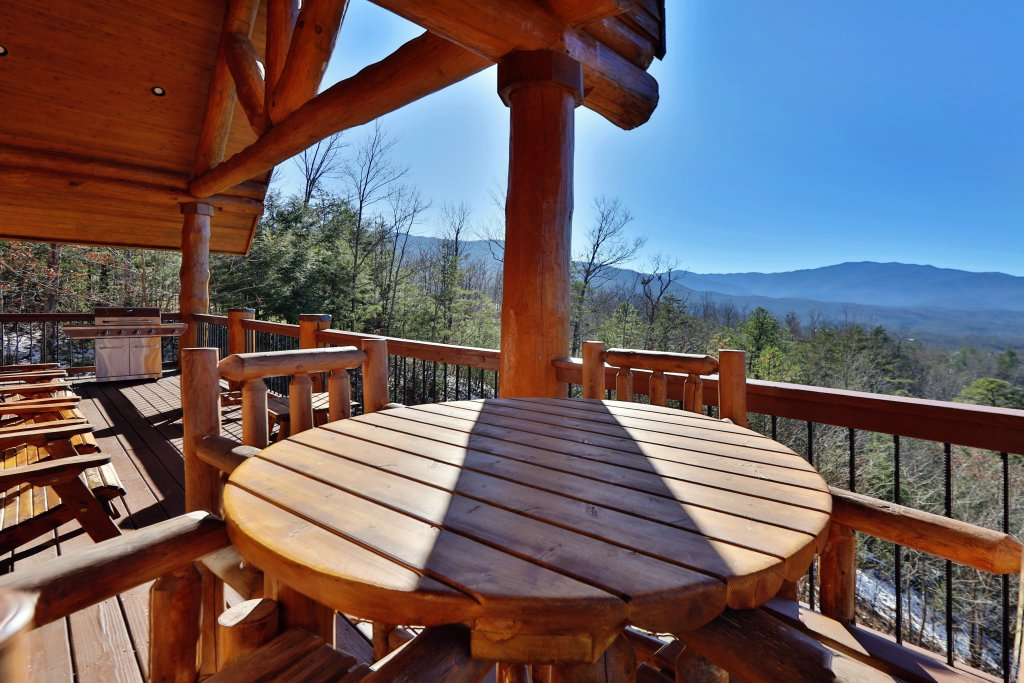 Photo of a Gatlinburg Cabin named The Lodge Of Gatlinburg - This is the fifty-first photo in the set.
