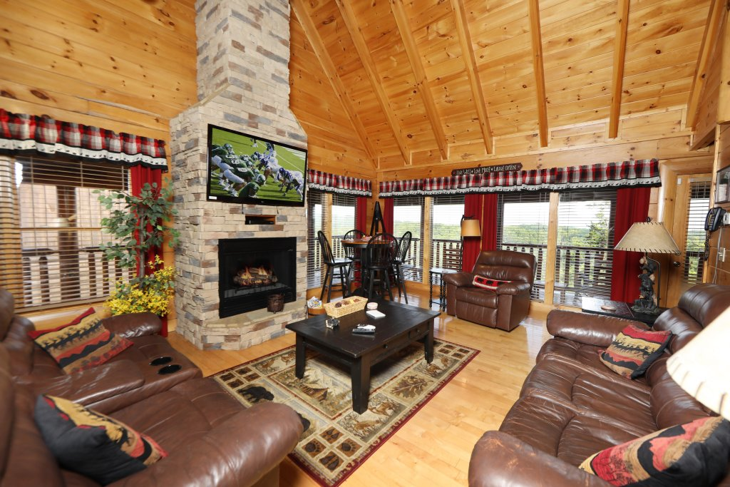 Photo of a Sevierville Cabin named Celebration Lodge - This is the third photo in the set.