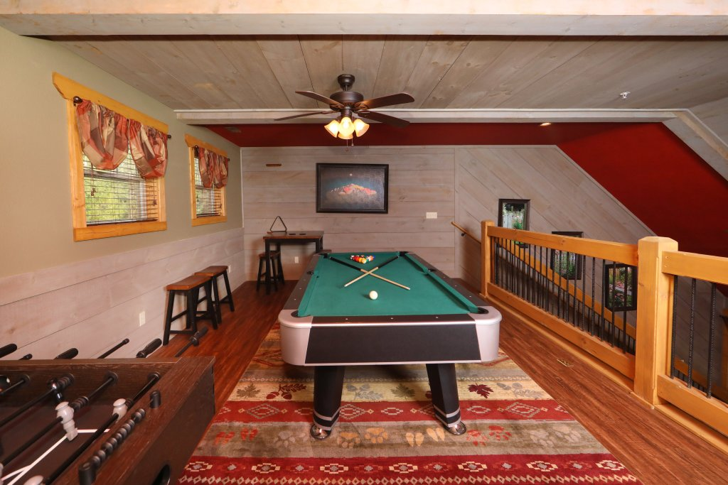 Photo of a Gatlinburg Chalet named Aqua Paradise - This is the thirty-fourth photo in the set.