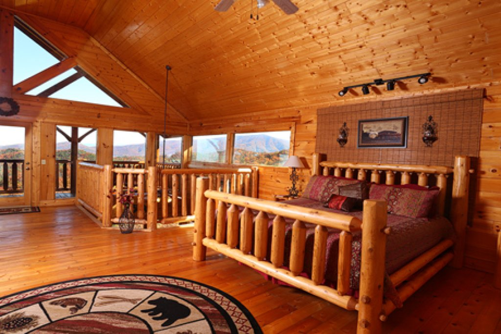 Photo of a Sevierville Cabin named His Amazing Grace - This is the seventh photo in the set.